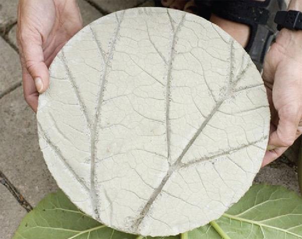 Huellas de cemento para jardines: Instalación