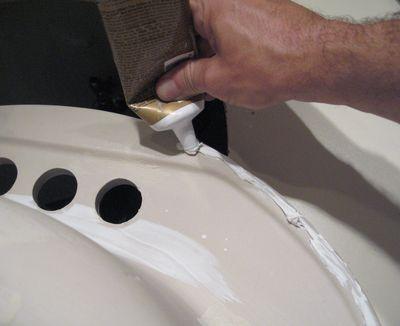 C mo instalar una pileta o lavabo en el ba o alba iles - Como limpiar bien el bano ...