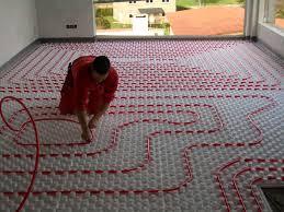 Cómo instalar suelo radiante por tubos de agua