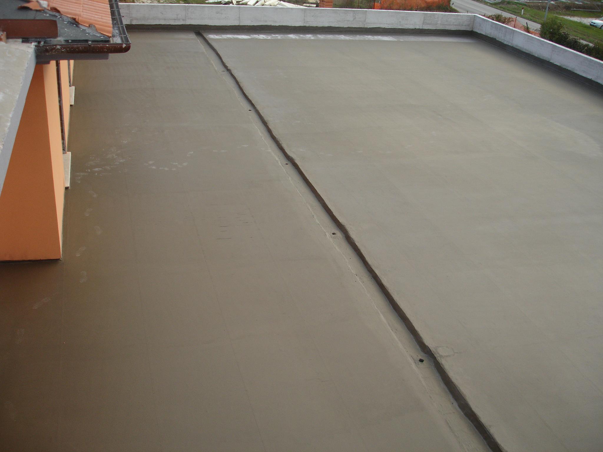 Cómo aplicar cemento elástico para impermeabilizar terrazas y techos