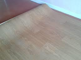Cómo instalar un piso de vinilo o PVC paso a paso