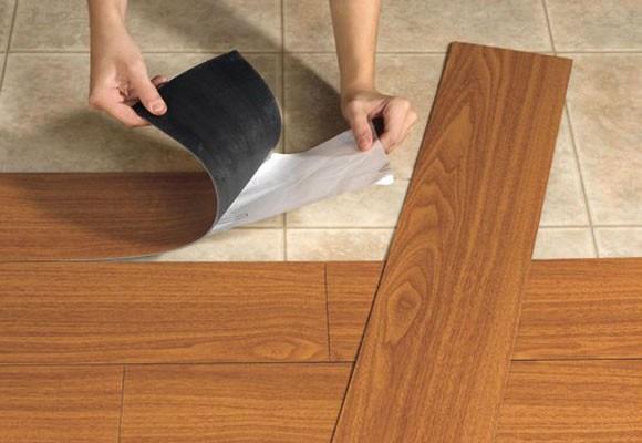 Materiales que pueden utilizarse para cubrir pisos for Suelo vinilico ikea