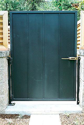 Cómo recuperar un portón metálico en mal estado