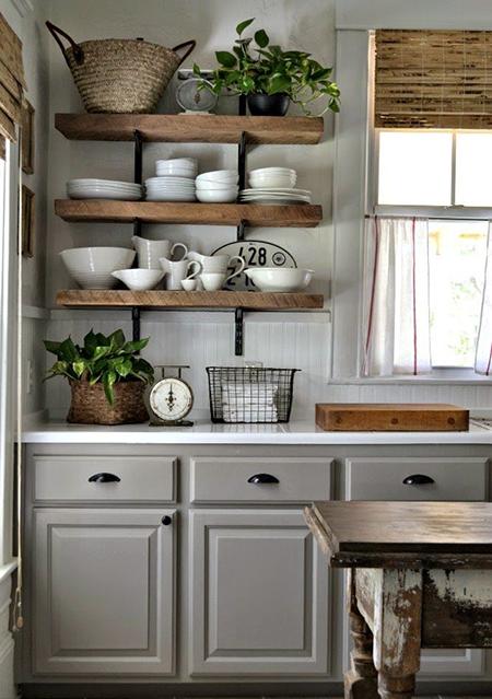 Cómo armar una estantería abierta en la cocina