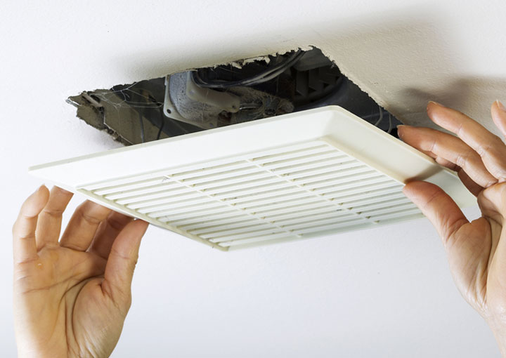 C mo instalar un extractor de aire en un ba o alba iles - Rejillas de ventilacion para banos ...