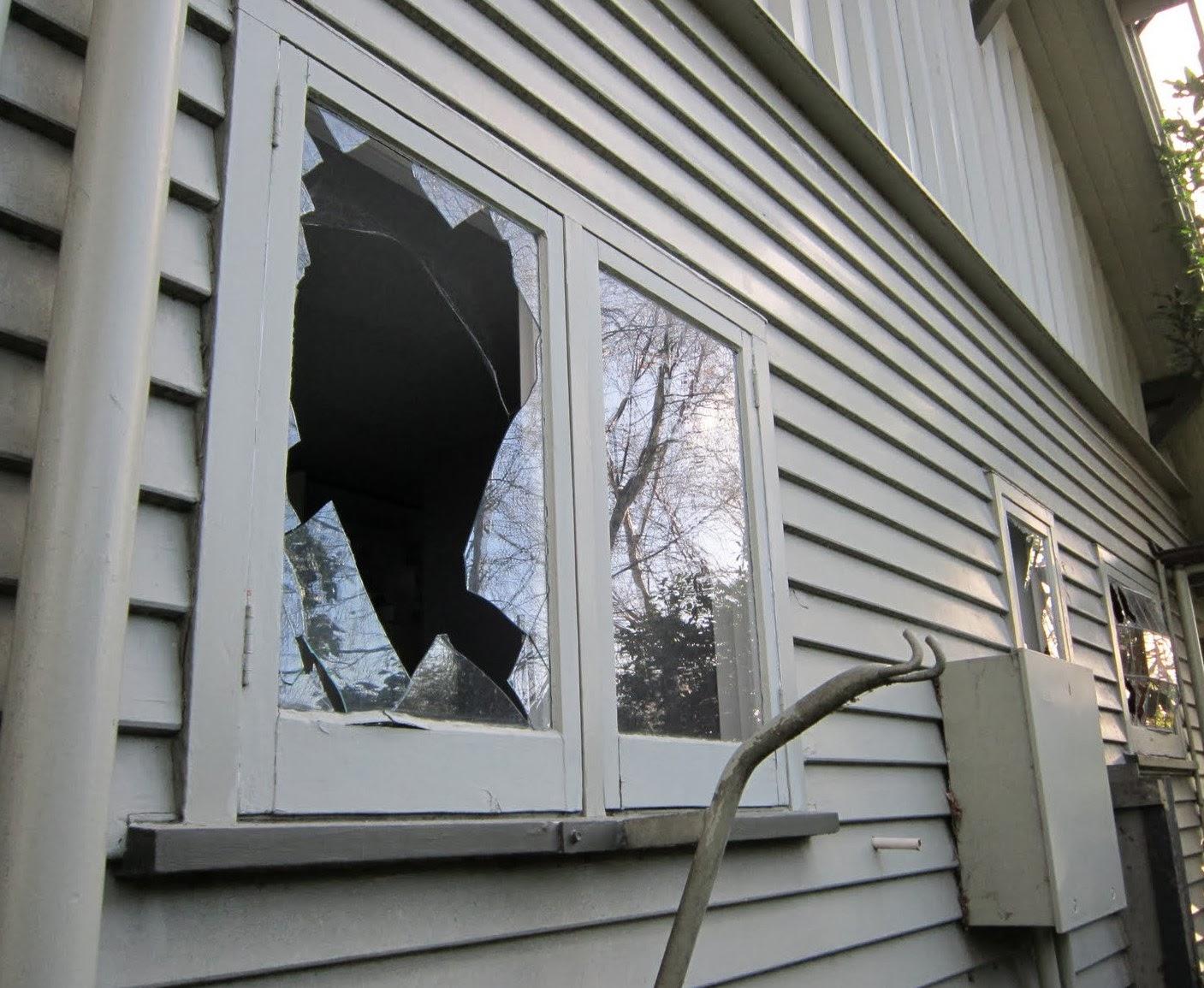 Cómo reemplazar el vidrio de una ventana