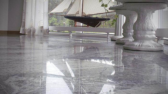 C mo instalar losas de m rmol en los pisos alba iles - Como colocar marmol ...