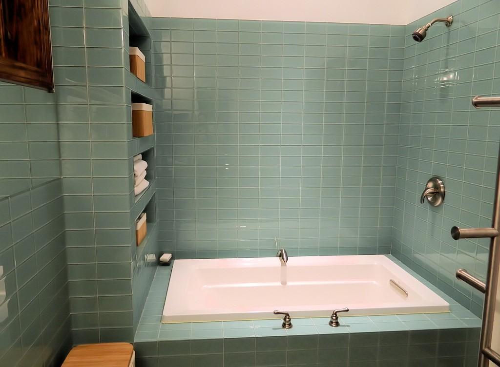 Como colocar azulejos en la pared de la ducha alba iles - Duchas con muro ...