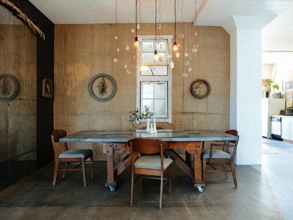 Cómo revestir paredes con tela arpillera