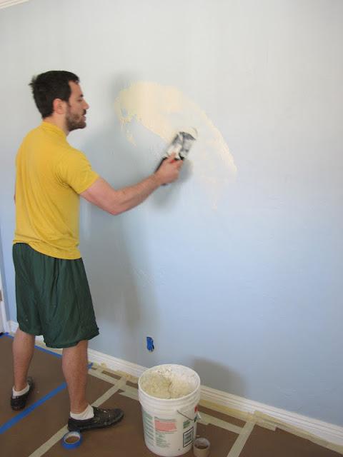 C mo quitar el papel tapiz de las paredes alba iles - Como secar las paredes despues de la inundacion ...