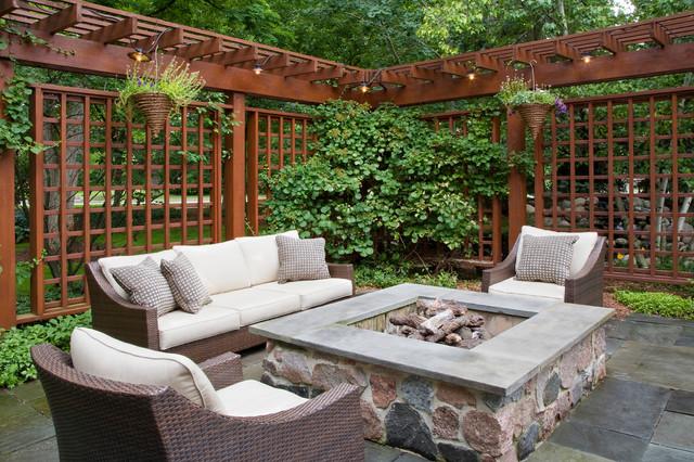 Cómo mejorar la privacidad del patio de una casa