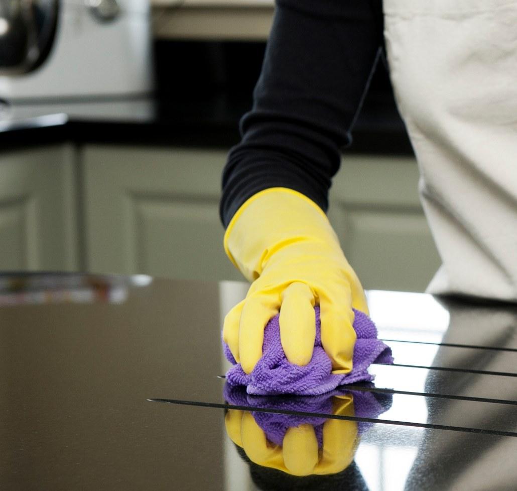 Cómo limpiar la grasa acumulada en la cocina