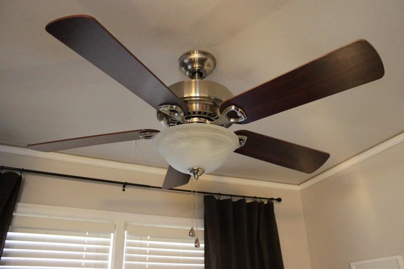 C mo instalar un ventilador de techo con luz alba iles for Ventilador techo bricodepot