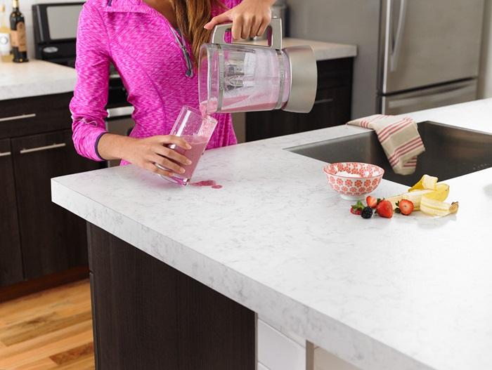 Cómo limpiar las manchas de una encimera de laminado plástico