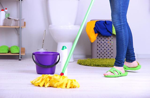 Pasos básicos para la limpieza general del baño