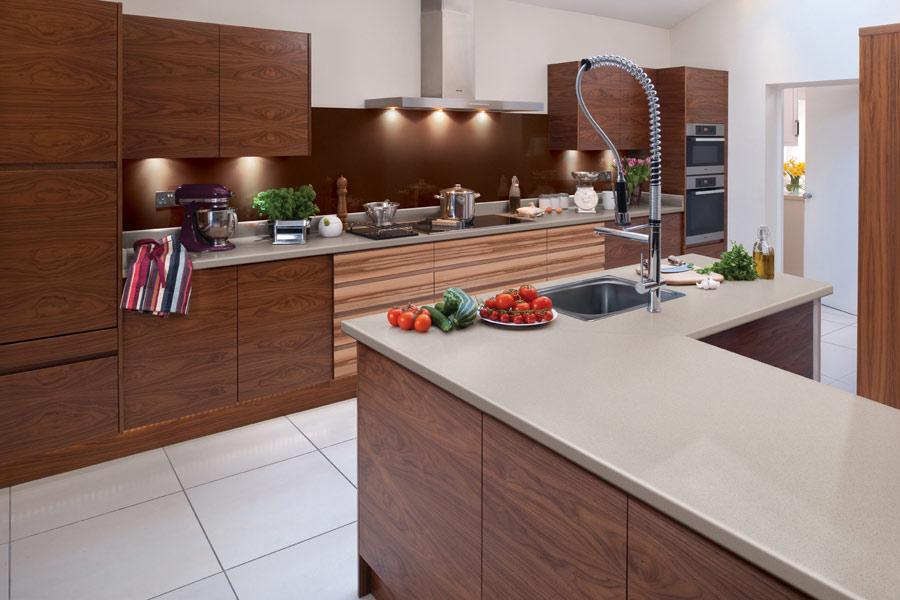 materiales aptos para encimeras de cocina sus ventajas y desventajas mesada laminada