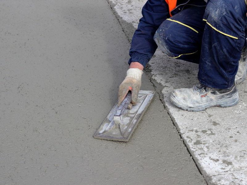 Medidas básicas de seguridad para trabajar con cemento