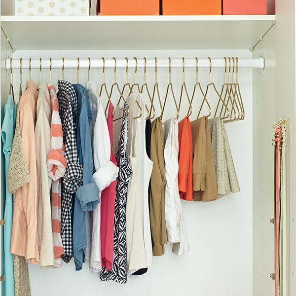 Cómo aprovechar mejor el espacio en un armario