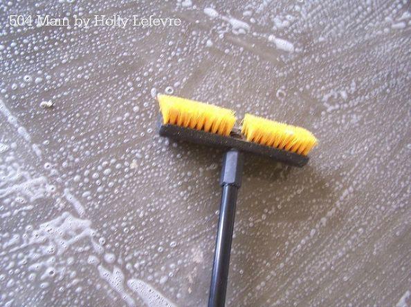 Sellado de un piso de cemento: Cómo preparar la superficie con ácido