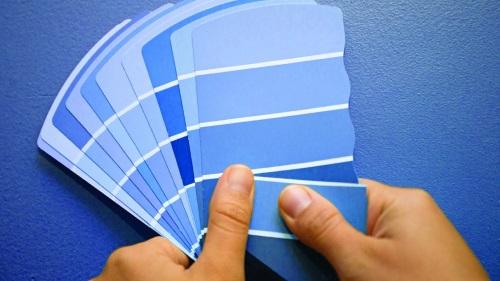Decoración: Distintos tonos de azul que pueden usarse en el interior de una casa