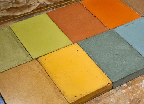 Cómo usar los pigmentos para teñir cemento