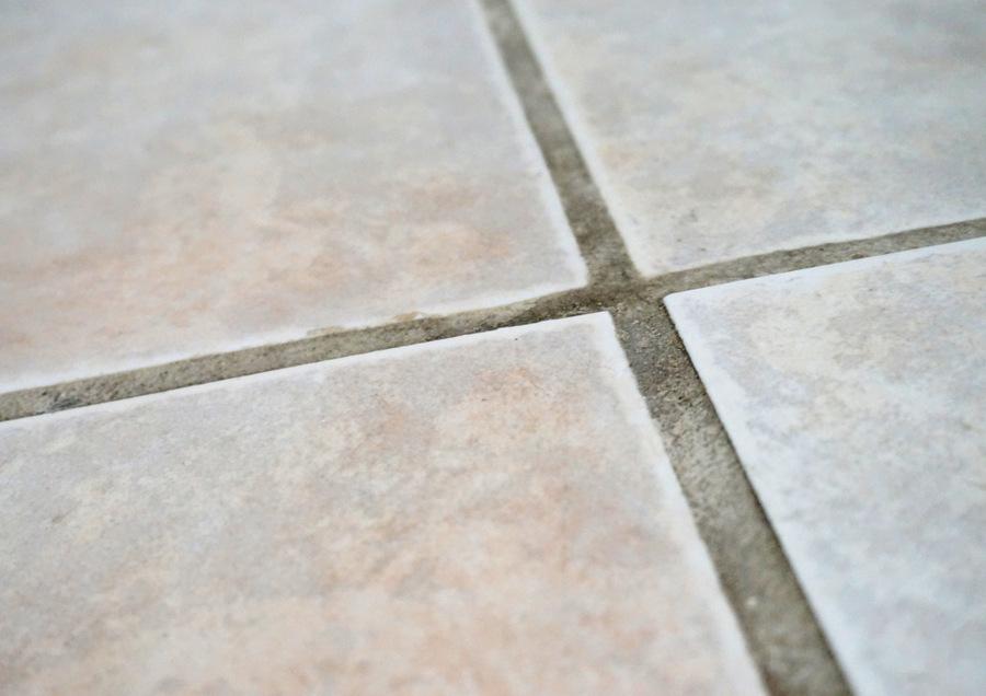 Cómo limpiar la lechada de las juntas en pisos de cerámicos