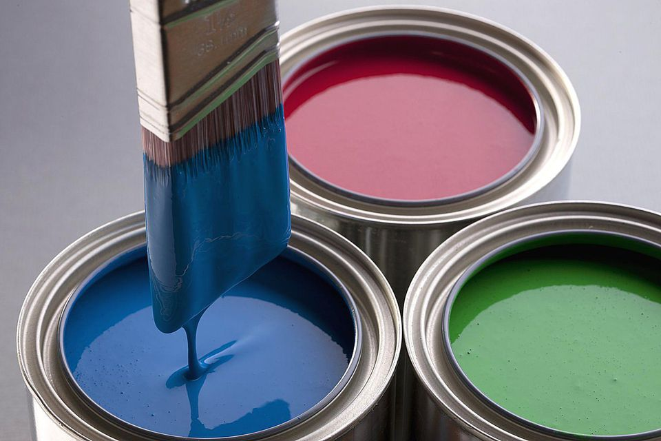 Volviendo a lo básico: Consejos para elegir pintura para exteriores e interiores