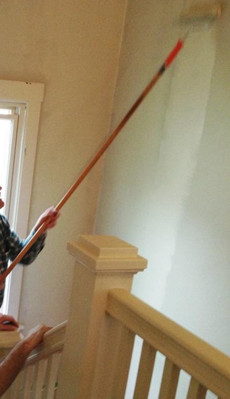 Cómo pintar las paredes de una escalera en casa