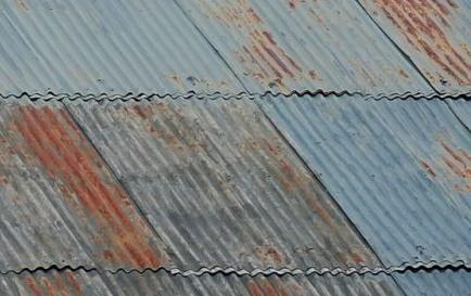 Goteras en techos de chapas: Causas y soluciones